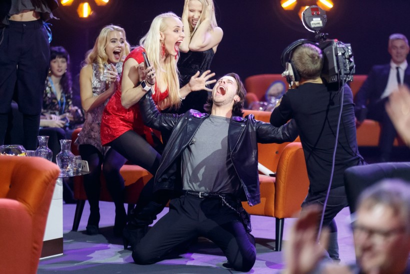 """VÕIDUKAS VEEBRUAR PILDIS   Eestlane võitis Rootsi ralli, rootslane """"Eesti laulu"""", Kelly naasis koju maailmameistrina"""