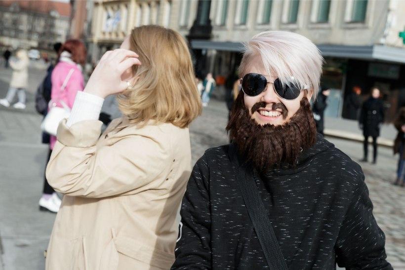GALERII | Rongkäik maailma populaarseima juutuuberi toetuseks tõi Tallinna tänavatele ohtralt innukaid fänne