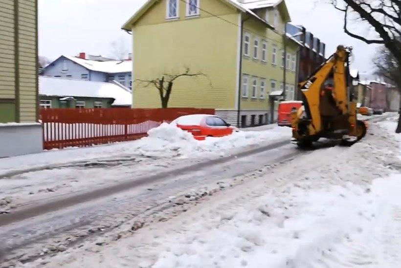 VIDEO | Mupo: Põhja-Tallinnas valesti parkivad sõidukijuhid teevad lumekoristustööd võimatuks