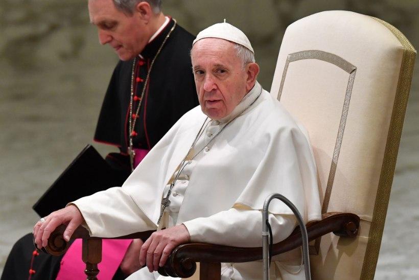Paavst Franciscus: preestrid vägistasid ja pidasid nunnasid seksiorjadena
