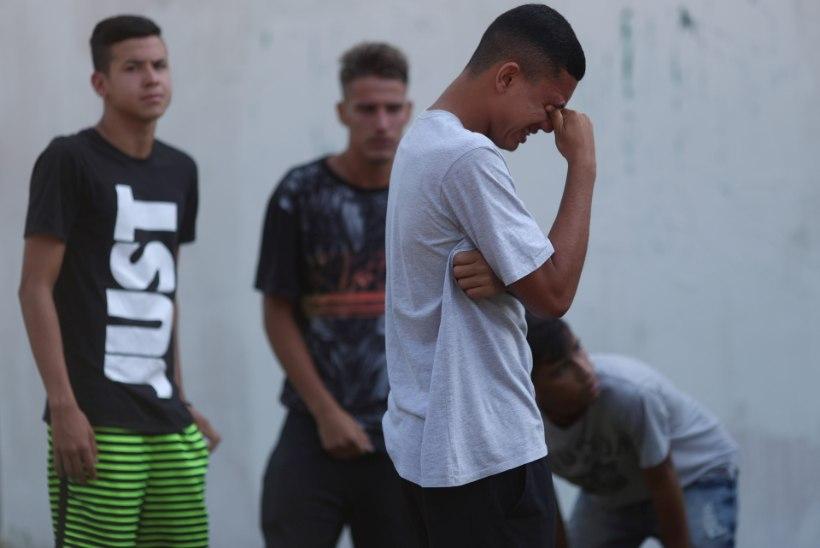 TRAGÖÖDIA: Brasiilia tippklubis puhkenud tulekahju röövis kümne noore jalgpalluri elu