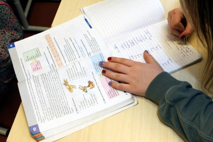 Tallinnas ei täida koolikohustust ligi 300 last