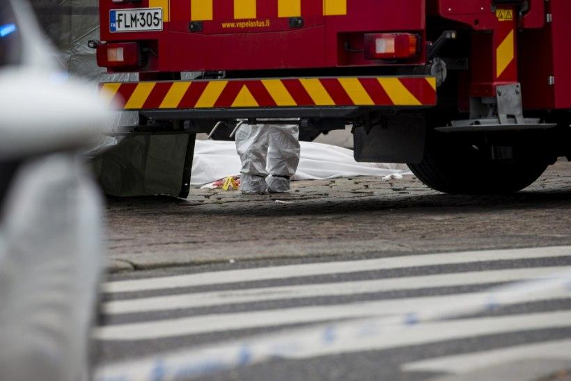 Soomes hukkus kahe veoki avariis eestlasest veokijuht