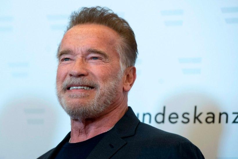 Schwarzenegger: sain alles 15aastaselt teada, mis on dušš
