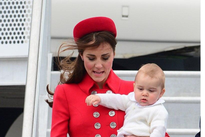 Aegumatu lemmik: hertsoginna Catherine kandis taas üht oma kuulsamat kostüümi