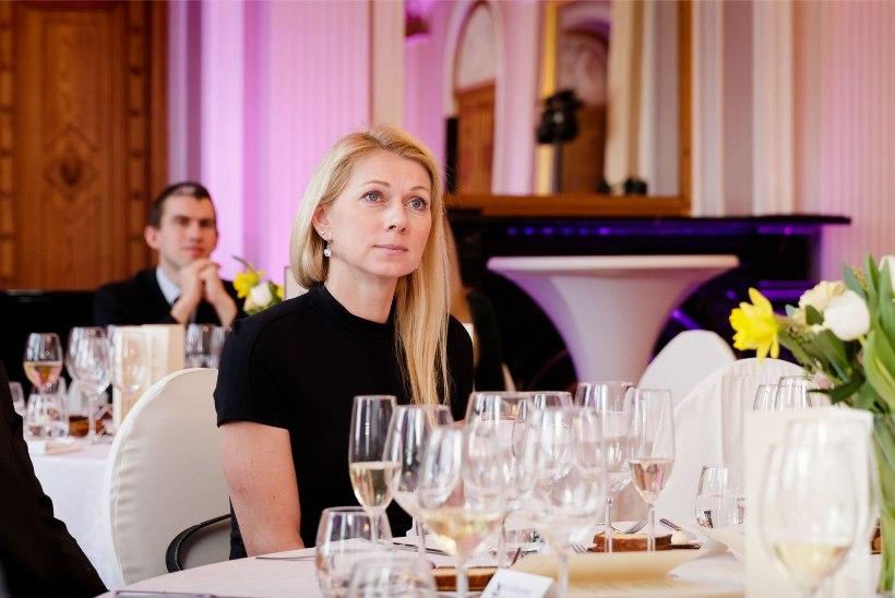 Värske riigikogulane Kristina Šmigun-Vähi saab koos 27 tippsportlasega riigilt haridusstipendiumit