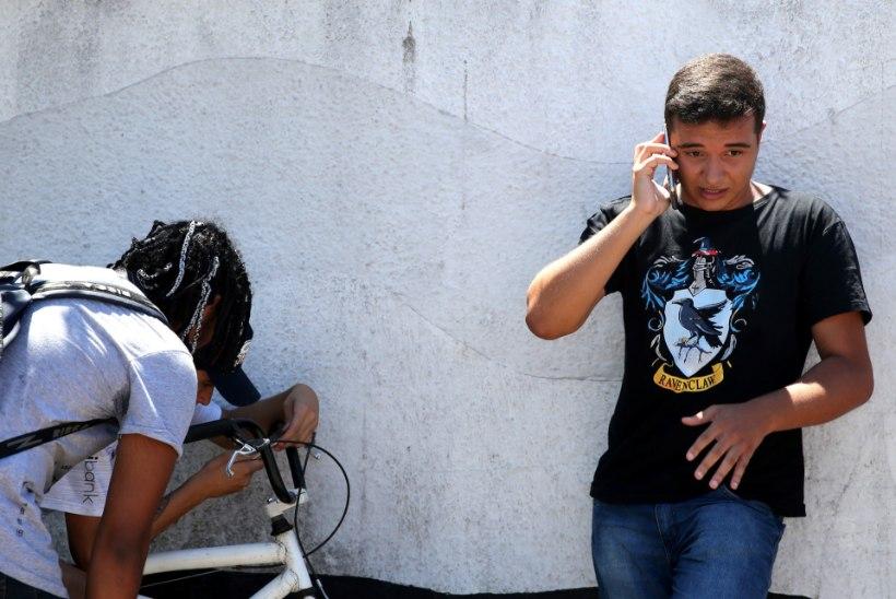 Kaks endist õpilast tulistasid Brasiilia koolis surnuks 8 inimest