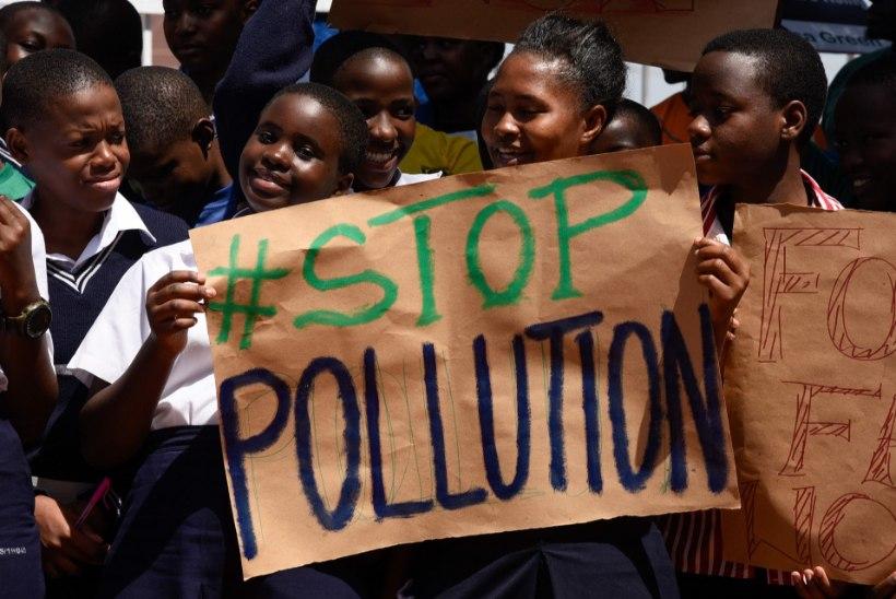 GALERII | Lapsed ja noored protestisid kogu maailmas kliimapoliitika muutmise poolt