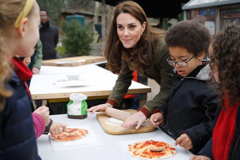 Pitsa, pasta, küüslauk – miks need pole Suurbritannia kuningakojas eriti popid?