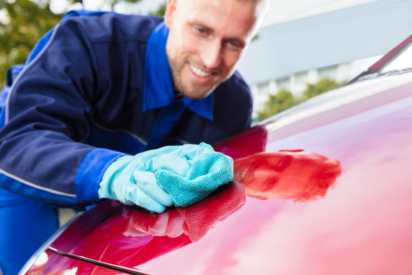 EKSPERDI NÕUANNE: sõidukit peab vahatama ja poleerima vähemalt kaks korda aastas