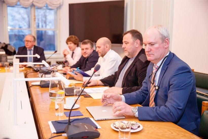 Koalitsioonikõnelustel arutati ühistranspordi ja taristu küsimusi