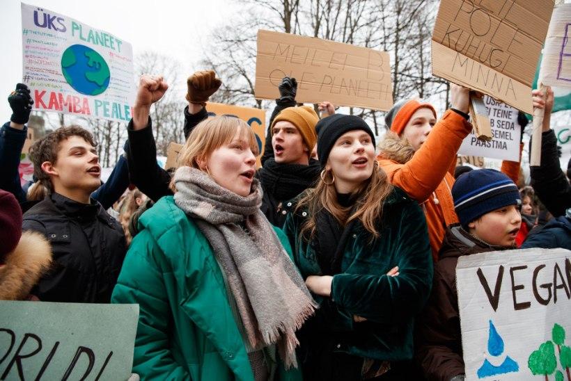 Kliimastreigi korraldanud noored KEI liidule: meeleavaldused ei lõpe, kuniks näeme konkreetseid samme kriisi lahendamiseks