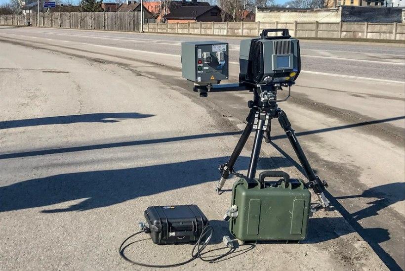 FOTOD | Politsei hakkas testima mobiilseid kiiruskaameraid