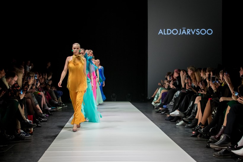 TFW 2019 | Aldo Järvsoo loomingus põimuvad veealuste maastike müstilised värvimängud ja kalasoomuste võimas sädelus
