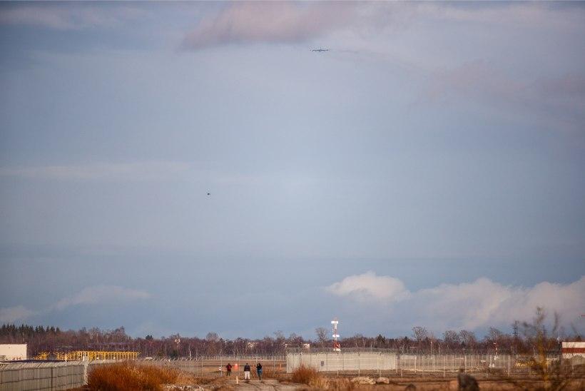 ÕHTULEHE FOTOD JA VIDEO   Võimas USA pommitaja lendas üle Tallinna lennujaama