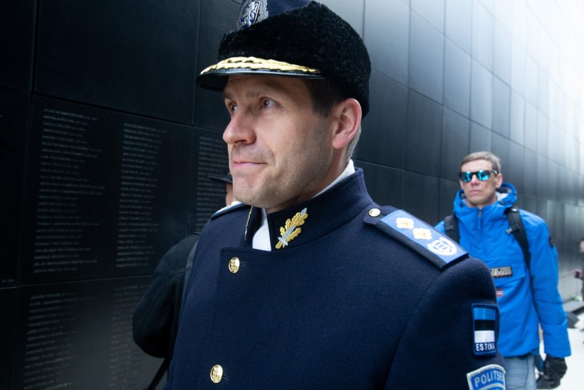 FOTOD | Eesti kommunismiohvrite memoriaali juures mälestati küüditatuid
