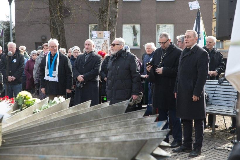 GALERII |  Tartus süüdati küünlad märtsiküüditamise ohvrite mälestuseks