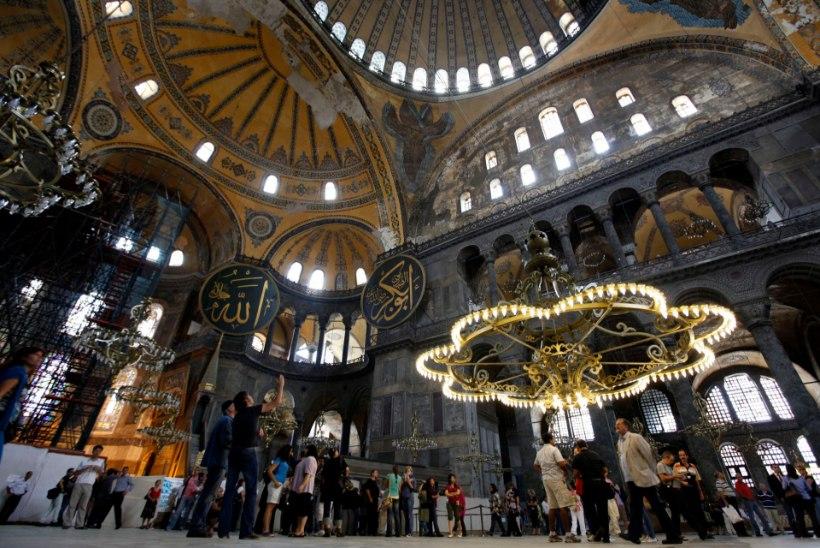 Erdogan kaalub Hagia Sophia muutmist mošeeks