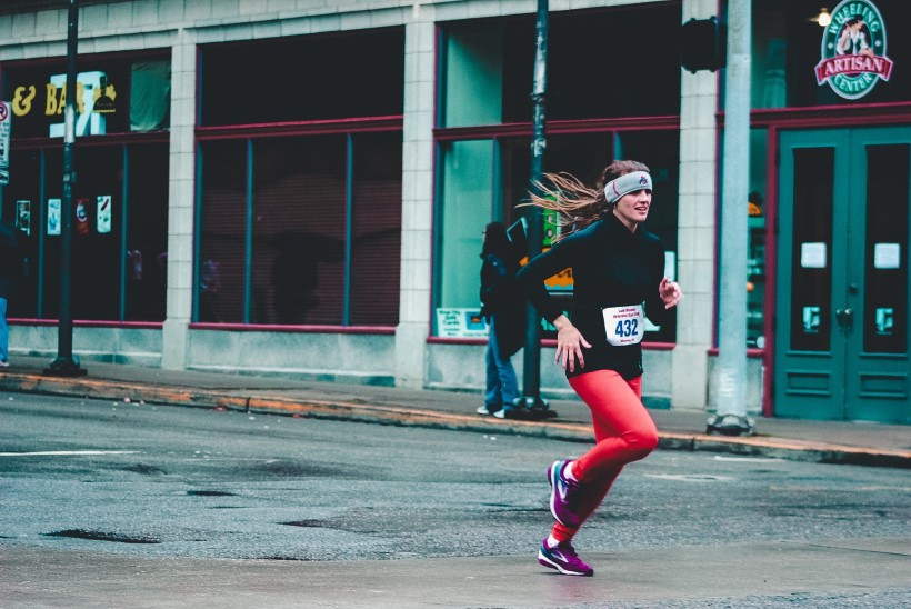 Jooksurajad meelitavad: kas hoiad keha joostes õigesti?