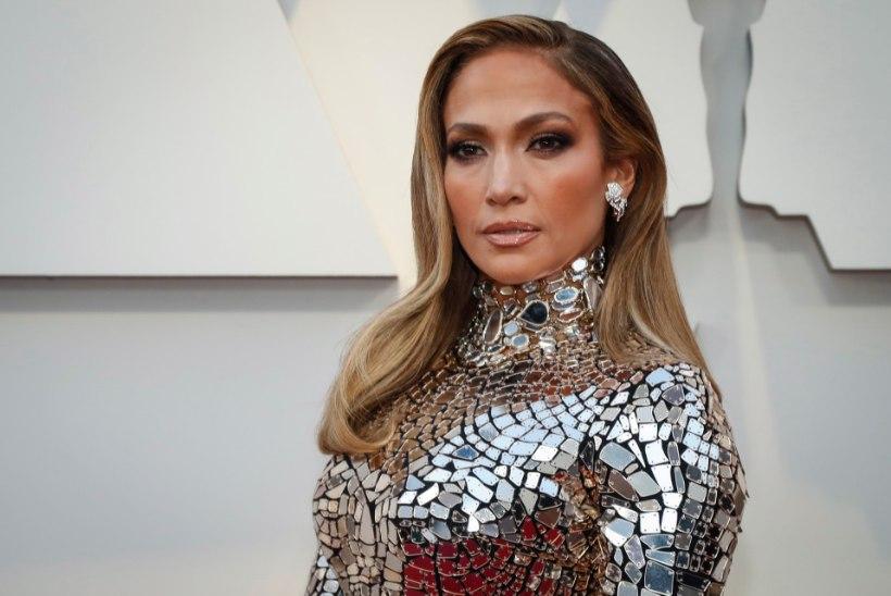 J-Lo peig saatis enne kihlust pornotähele seksisõnumeid?