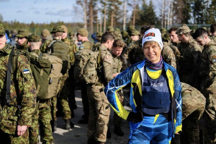Kae nalja: Eesti president kandis Scoutsrännakul mütsi, mida kaunistas Soome lipp