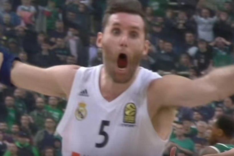 VIDEO | Reali staar tabas hullumeelse võiduviske ja tegi kogu Ateena tummaks!