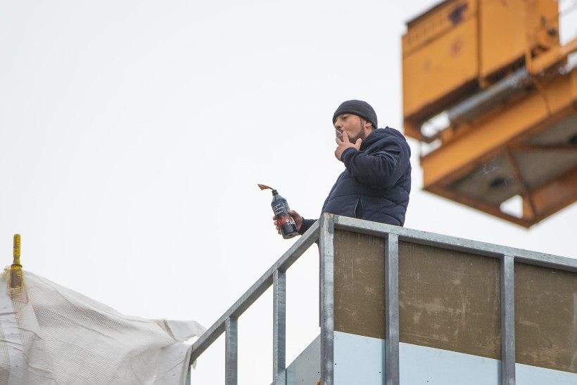 MEELEHEITEL JA VÕLGADES: Eestis töötasuta jäänud gruusia ehitajat saab aidata ainult kohus