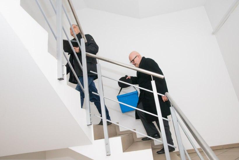 Valimiskasti teekond mööda kodusid: orienteerumine linnas ja lõputud trepid