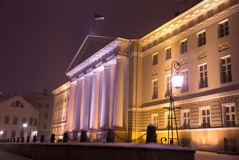 FOTOD | Tartu valimispeod: rahulike inimeste hillitsetud koosviibimised