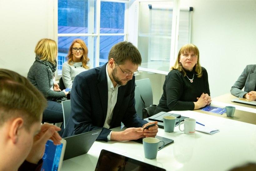 FOTOD | Sotsiaaldemokraadid otsustasid vastu võtta Reformierakonna pakkumise koalitsiooniläbirääkimisteks