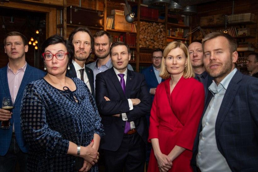 GALERII | Marina Kaljurand sotside peol: kaotasime hääli ilmselt Tarandi ja Vakra pärast