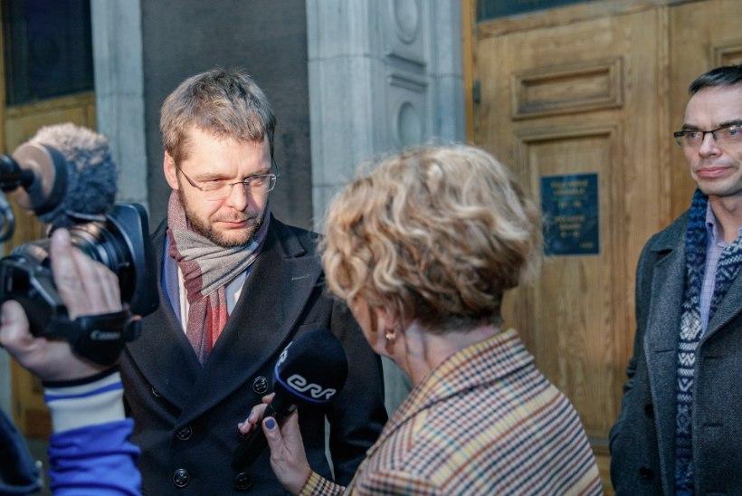 ÕL VIDEO JA GALERII   Reformierakonna peol tähistatakse valimisvõitu, Kaja Kallas ütleb, et tema isa valitsusse ei kipu