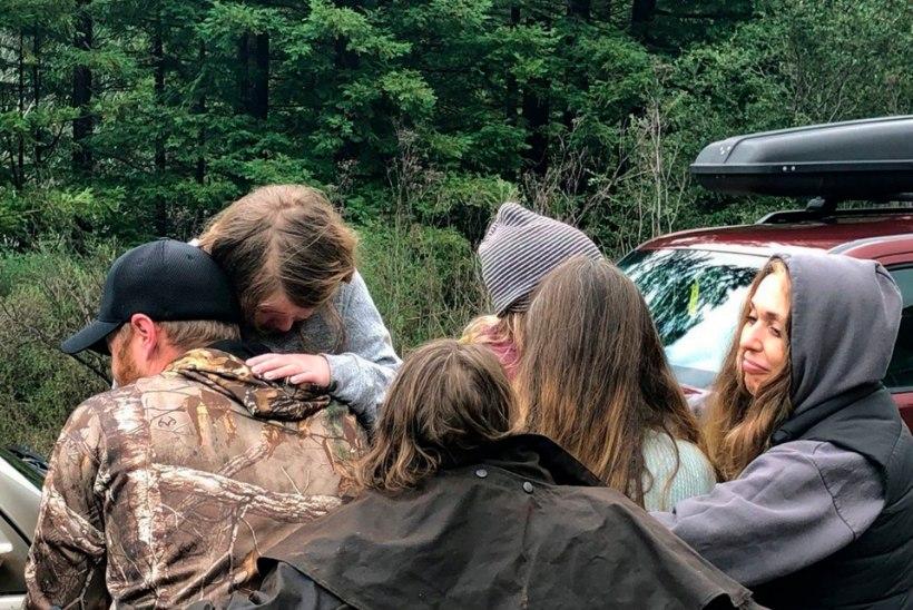 44 tundi kadunud tüdrukutirtsud kasutasid metsas ellu jäämiseks õpitud oskusi