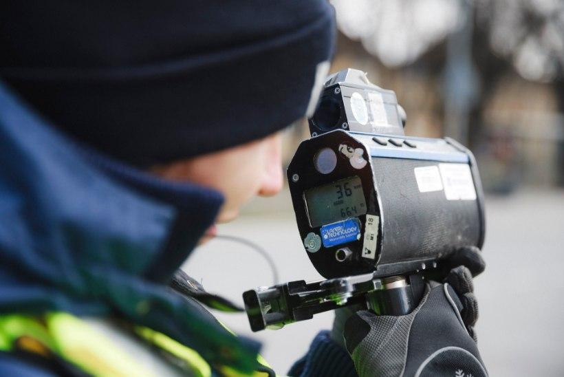 Nädalavahetusel Pärnumaal kihutanud autojuht veedab märtsikuu arestikambris