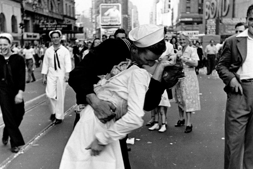 Ameeriklase surm kergitas saladuskatet maailma kõige kuulsamalt suudlusstseenilt