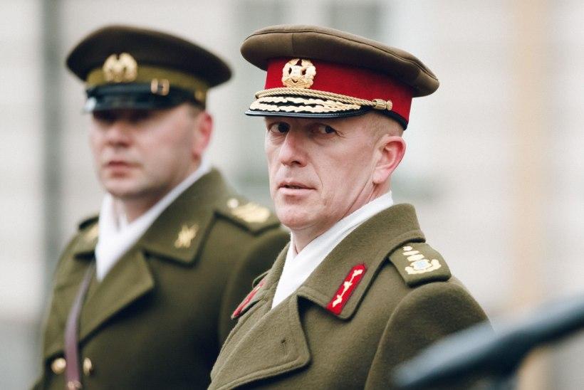 HUVITAV HOBI: kaitseväe juhataja Martin Herem püüab mutte