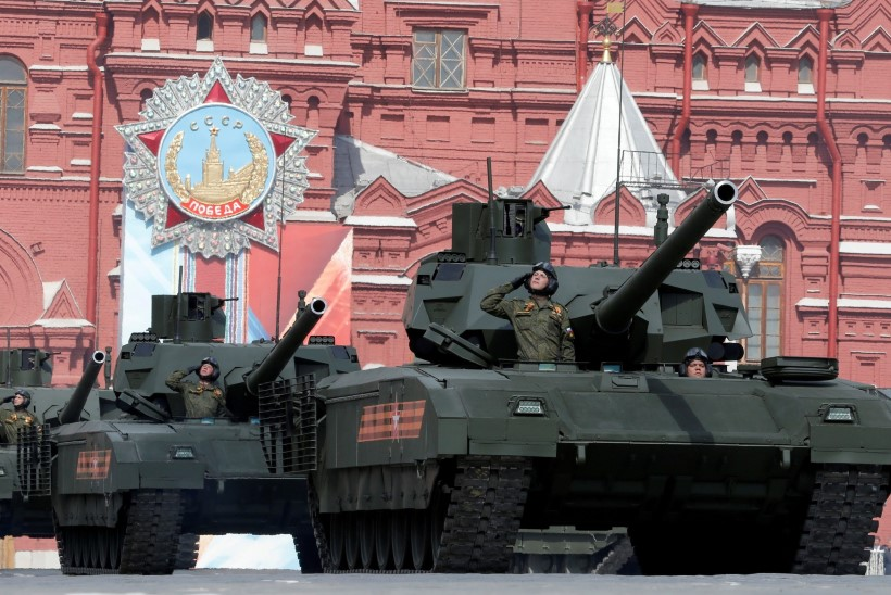 ELUTÄHTIS SÜSTEEM: Venemaa uued tankid on varustatud käimlatega
