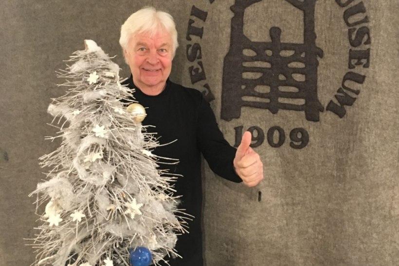PILT |Ivo Linna soovib head naistepäeva jõulukuusega!