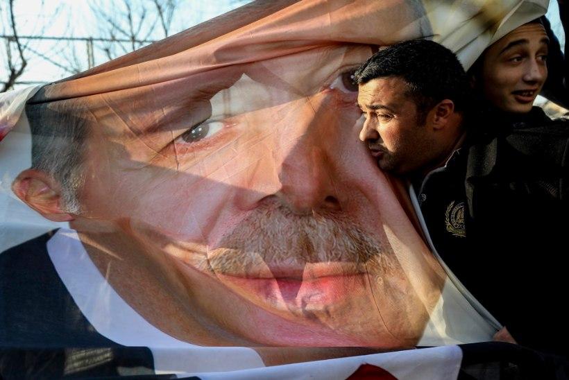 ŠOKK VALITSEJALE: Türgi suurlinnade valijad Erdogani ei armasta