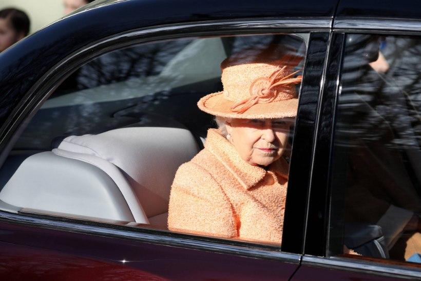 Elizabeth II loobub autojuhtimisest