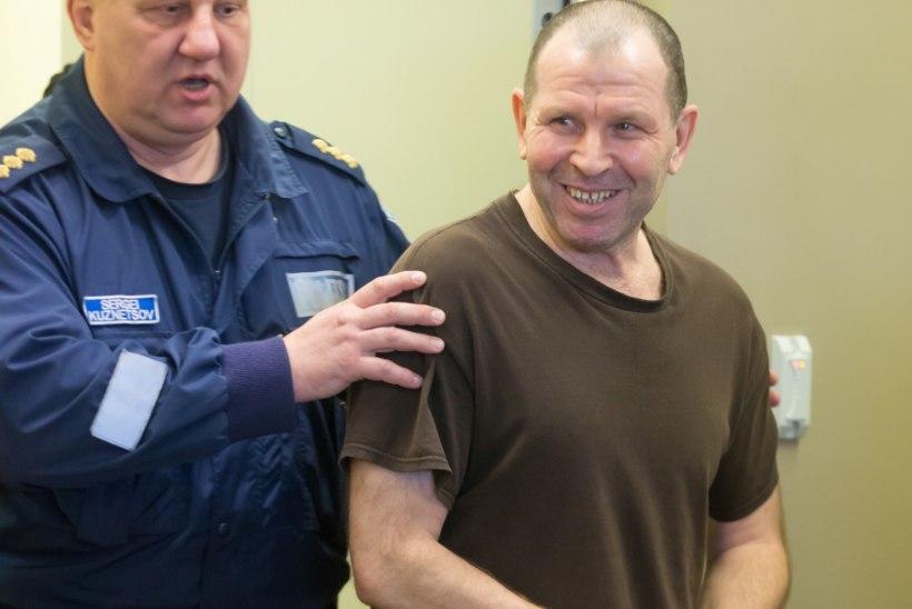 Sarimõrvar Ustimenkot tapatööle kihutamises süüdistatav hakkas kohtusaalis ülbitsema