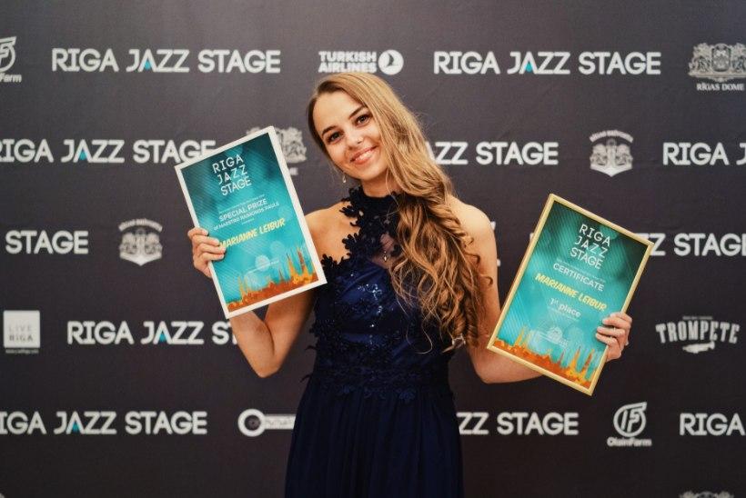 FOTOD | Lauljatar Marianne Leibur võitis Riias rahvusvahelise maineka laulukonkursi