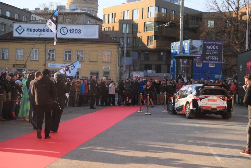 VIDEO | Vaata, kuidas Ott Tänak sõitis oma filmi pidulikule esilinastusele
