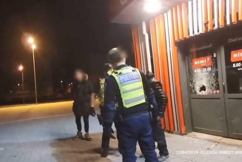 VIDEO JA FOTOD | Noormees aitas kinni võtta poeukse kallal vandaalitseja