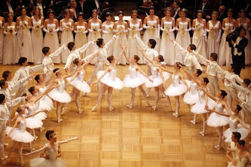 KARMID SÜÜDISTUSED: Viini Riigiooperis peksti ja mõnitati balletiõpilasi