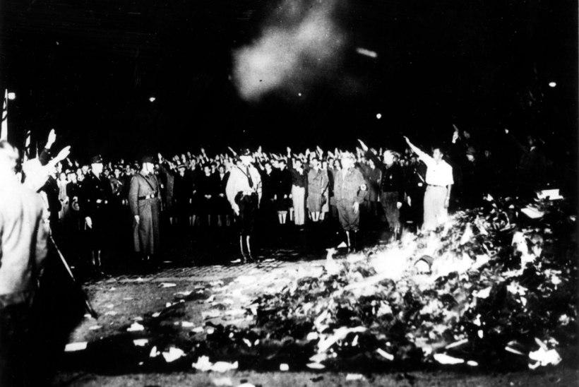 """""""Kus põletatakse raamatuid, seal põletatakse ükskord ka inimesi"""" ehk hullused raamatute pärast"""