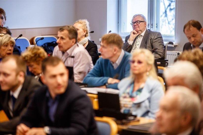 GALERII JA VIDEO | Tallinna volikogu hääletas Taavi Aasa mantlipärijaks Kõlvarti