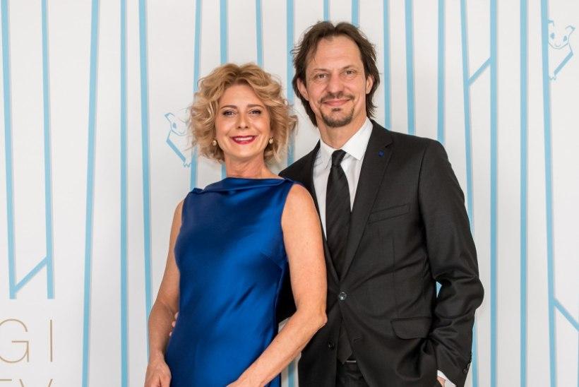 Ministriproua Ülle Lichtfeldt: teatrissegi helistati pidevalt, kas Ülle ja Indrek on lahku läinud – üldse pildi peal koos ei nähta!