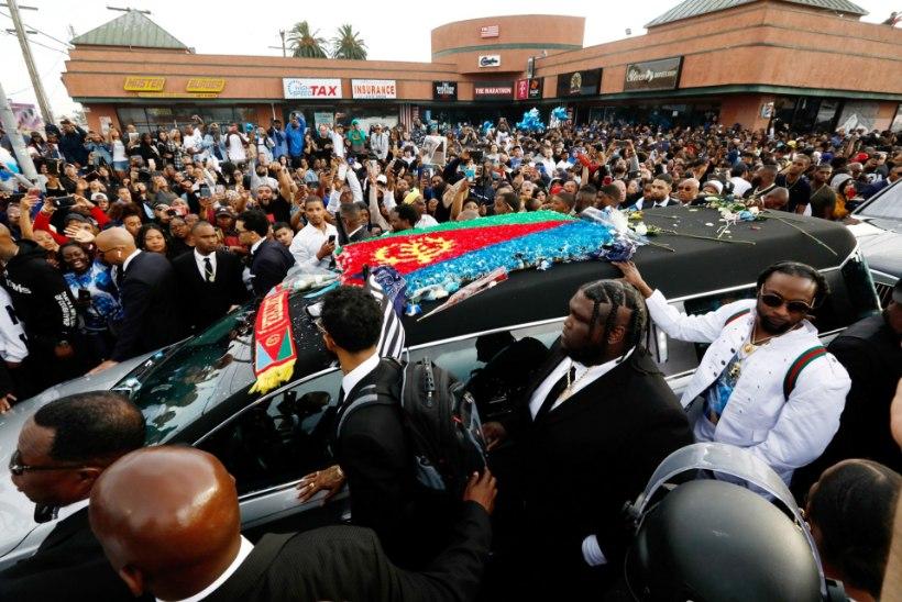 Mõrvatud räpparit mälestas koguni Obama, kuid matustel tapeti inimene