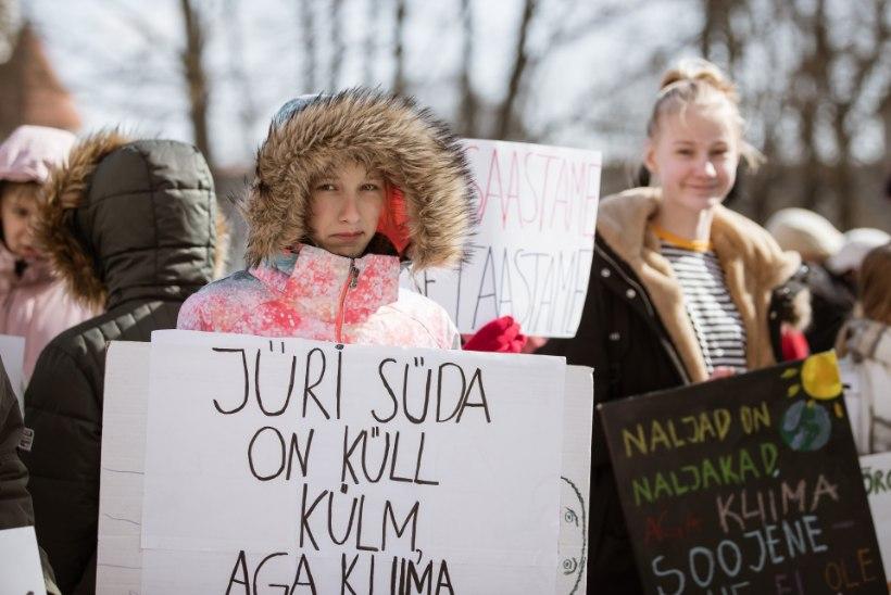 GALERII | Noored kliimastreigil: Jüri süda on küll külm, aga kliimasoojenemist see ei peata
